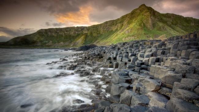 playas-con-piedras-geometricas-perfectas