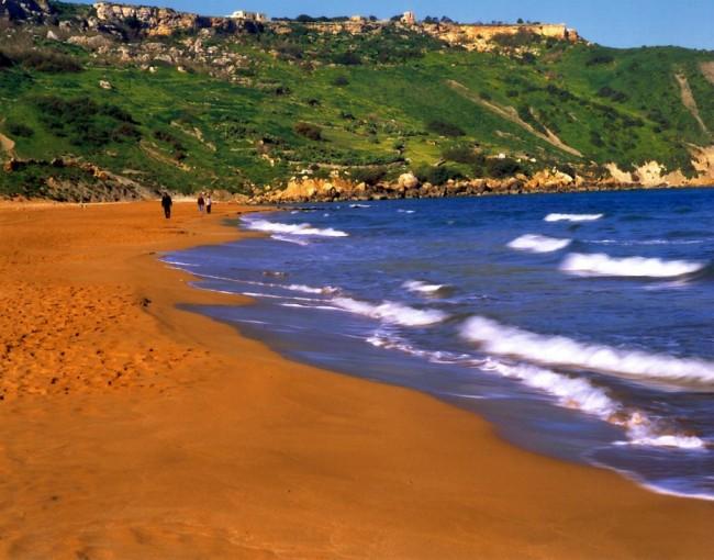 playas-de-arena-naranja