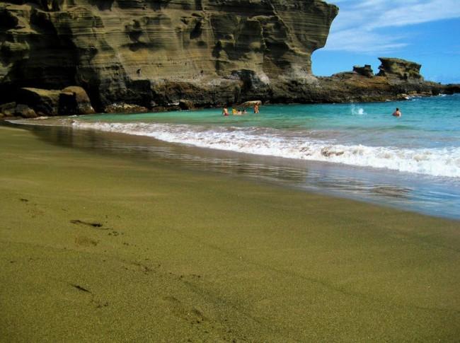 playas-de-arena-verde